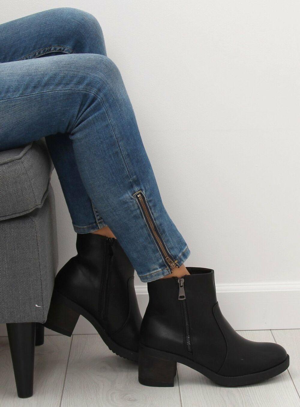 Női műbőr bokacsizma sarokkal (VQ-24), fekete