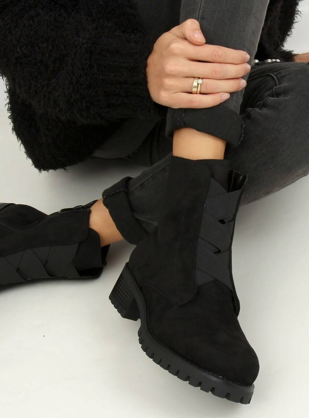 Női bokacsizma (0-367), fekete