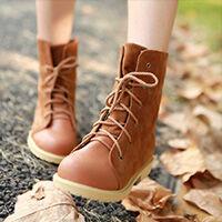 A női kényelmi bakancs a félcipő és csizma keveréke. A bakancs mint cipő  már sok évvel ezelőtt az életünk része volt fa3f252828